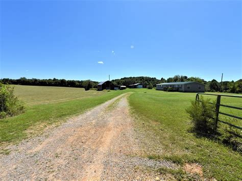 12 Acres, Green County, 4 Bedroom : Farm for Sale in