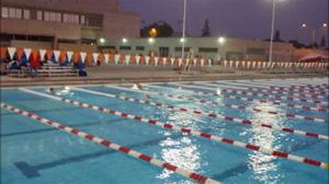 Bakersfield College's swimming team hosting free swimming