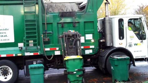 Waste Management Recycling Truck - YouTube
