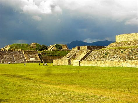 Monte Alban @ Oaxaca, Mexico   I love the sky like this