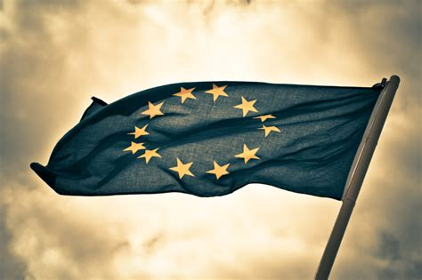 BANNED: European Union To Outlaw Heirloom Seeds? - Off The
