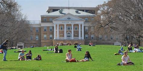 The 14 Most Beautiful And Iconic American College Quads
